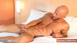 Alain A innocent delivery guy serviced his big cock by a guy!