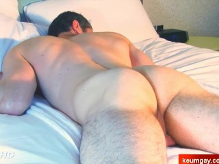 Straight guys get massaged them ass by a guy !