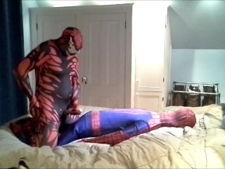 carnage humps spiderman dummy