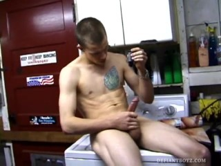 Amateur Shane Strokes One Out