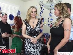MILFs Julia Ann & Eva Notty fuck celebrate threesomes – Naughty America