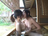 黒髪ツインテールの美少女たちが露天風呂で乳首を舐めあって可愛く喘ぐ