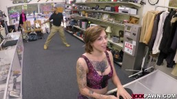 Getattooeerde Harlow Harrison krijgt naalden en tattoo op XXXPawn (xp15507)