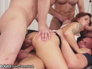 DogHouse Billie Star Takes on 4 Cocks At Once
