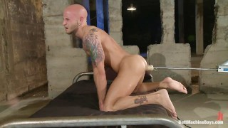 Muscular Hunk Fucked Deep With Machines
