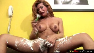 Redhead t-babe enjoys shaving her shecock and massive ass Brunette outdoor