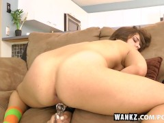 WANKZ- Izy-Bella Blu Pumps Her Wet Pussy Hole