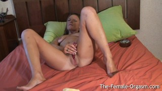Filming Summer Masturbating Her Wet Pussy and Cumming Hard Webcam lclip