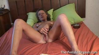 Her hard cumming and summer filming masturbating wet pussy british shaved