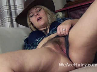 Hairy Pussy Kitchen Fucking, Girl Gives Blowjob For A Haircut Sex