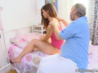 Sunny Leone In Nude Sex Fucking, Young russian girl anally fucked by an old doctor who came to
