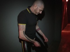 pissing in the corridor of Mineshaft-Berlin