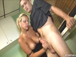 Amateur wifes and girlfriends