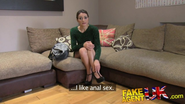 Fake Agent UK Hot anal action with petite Italian babe