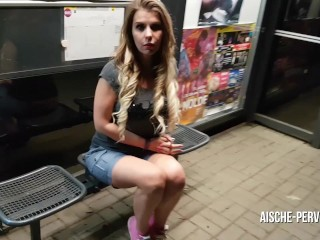 Dream Of Mom ERWISCHT BEIM PUBLIC BLOWJOB - SEX - FACIAL AN DER BUSHALTESTELLE