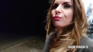 Public beim sex bushaltestelle erwischt  der blowjob facial an face outdoor