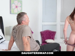 American Ryana Daniels Nude Wife Cheats & Family Circus Nude Fetish