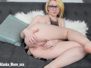 The Adult Video Experience Presents Hippie Girl Fingering Herself And Cumming