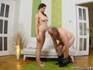 Www Sexowap Fucking, Hot babe with beautiful body gets her young asshole fucked by old