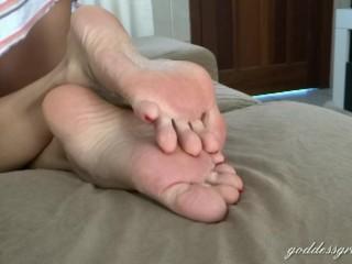 Saracasini Cam Barefeet And Soles, Feet