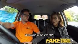 Fake Driving studentessa ebony si fa riempire la fila di  sborra per delle lezioni gratis