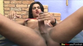 Feminine shemale plays with her small titties and ladystick porno