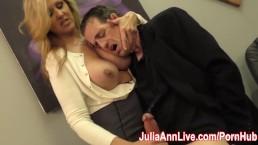 Sexy Milf Julia Ann melkt hem op een dateavond