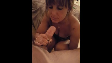 Short clip of a tinder date ended up with a blowjob. Hornytina