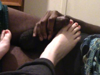 Stealth fucker cumming on gamer teens toes teenager young redhead cumming on toes you