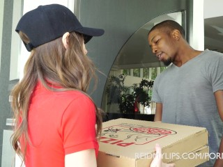 Preview 1 of Pizza That Ass