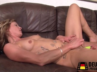 Pussy N Toes Sexy Mature With Tatoos, Amateur Blonde Toys Mature