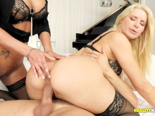Slow Blowjob Wife Hot Girls Anikka Albrite And Peta Jensen Share Micks Big Cock, Babe