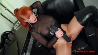 Kinky MILF finger fucks her pussy then use vibrator