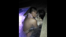 Latina gets piped in jacuzzi