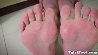 Red feet fetish ladyboy her toes curling trans soles