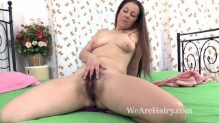 Valentina Ross masturbates in bed
