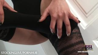 Blonde foot lover babe masturbates in stockings
