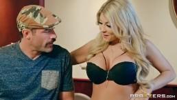 Brazzers - Kayla Kaydan makes man cheat