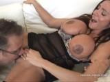 800DAD Ariella Ferrera spreads her Cunt for Handyman Cock