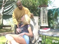 Hot girl shaving pussy