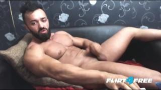 Bearded hunk cock his big wanks cock flirt4freeguys