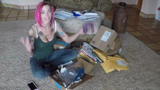 Mail Time and Dress Try On!