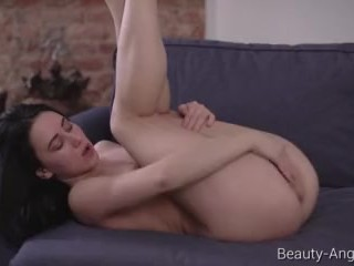 Beauty-Angels.com – Gloria Hole – Flexible Gloria shows her pussy