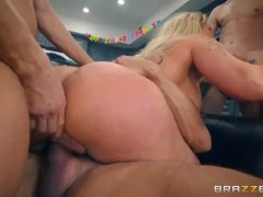 Brazzers - Kortney Kane Is Fucked Hard And Deep By A Thick And Juicy Cock