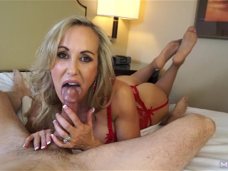 Insanely hot MILF treats your cock to a sensual sucking (Brandi Love)