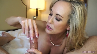 Insanely hot MILF treats your cock to a sensual sucking (Brandi Love) Cock of