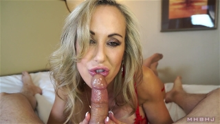 Insanely hot MILF treats your cock to a sensual sucking (Brandi Love) Jerk orgasm