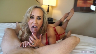Insanely hot MILF treats your cock to a sensual sucking (Brandi Love) Blonde tits