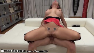 Italian real it estate the ass babe takes in fingering analized