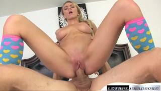 Homemade anal : booty milf trying asshole, then a member